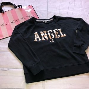 Victoria's Secret Angel sweatshirt size large. 🔥
